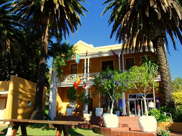Ashanti Lodge is located at the foot of Table Mountain and is well known for its facilities, services and security.