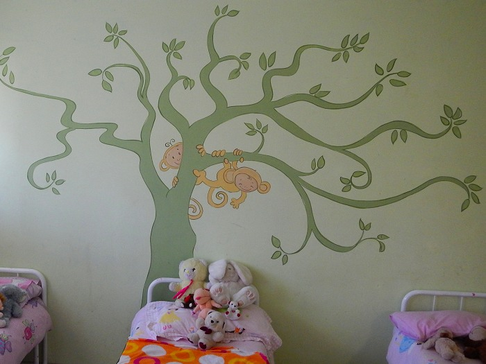 A cute mural in one of the younger girls bedrooms.  This was part of their Extreme Makeover by Newkidz.