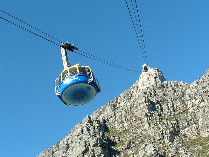 The Table Mountain Cableway takes passengers from the lower cable station on Tafelberg Road, about 302 m above sea level, to the plateau at the top of the mountain
